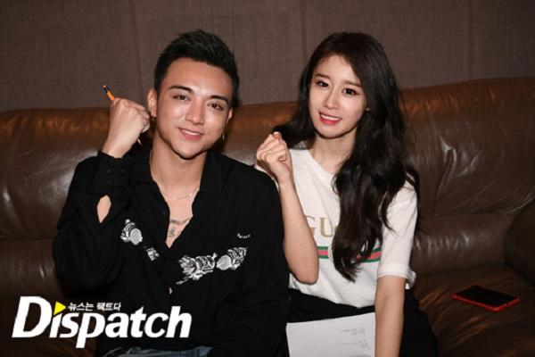 Dispatch tung loạt ảnh hậu trường thu âm vô cùng thân thiết của Soobin Hoàng Sơn và Jiyeon 12