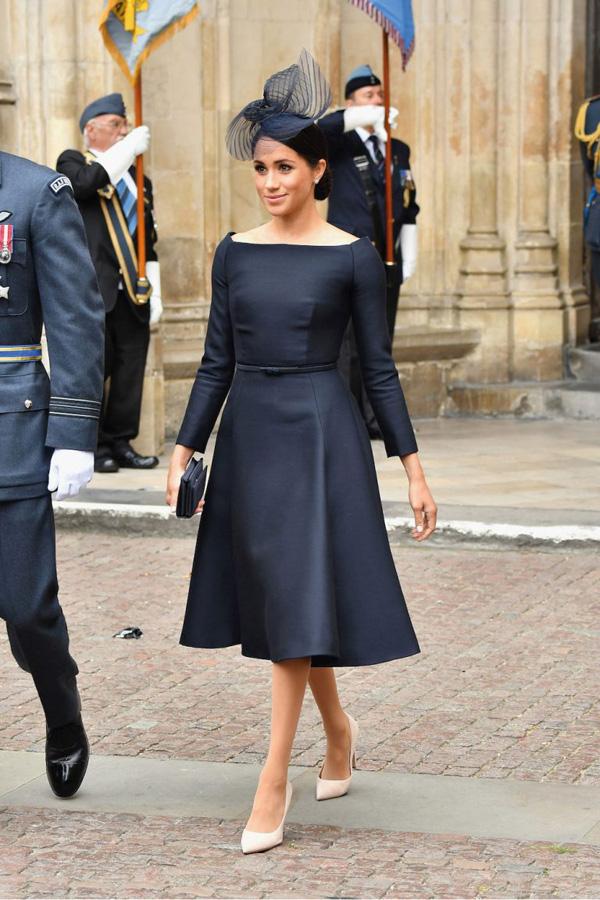 7 lầnphá vỡ quy tắc trang phục Hoàng gia Anh của Công nươngMeghan 3