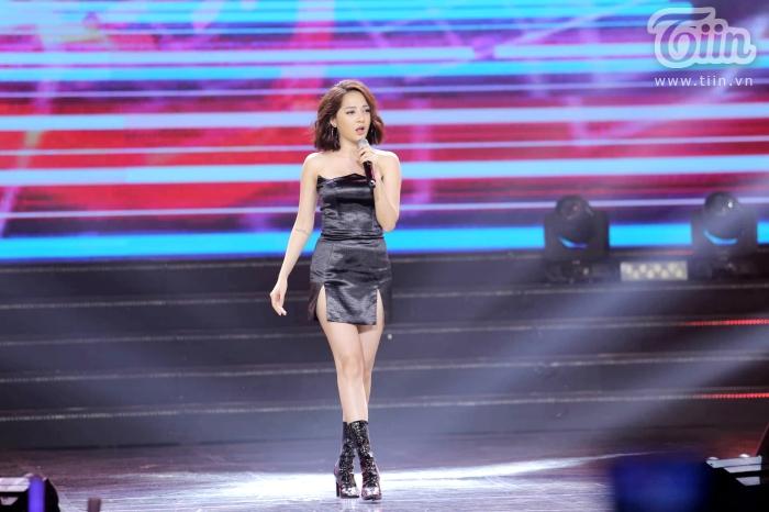 Xuất hiện trong đêm nhạc cùng EXID, Bảo Anh nhảy cực sung với phong cách cá tính, sexy 3