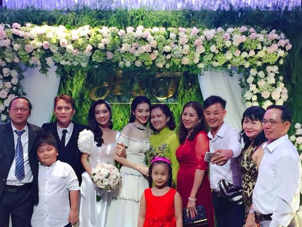 Nhiều nguồn tin cho hay, Trường Giang vắng mặt trong đám cưới người em út của Nhã Phương.