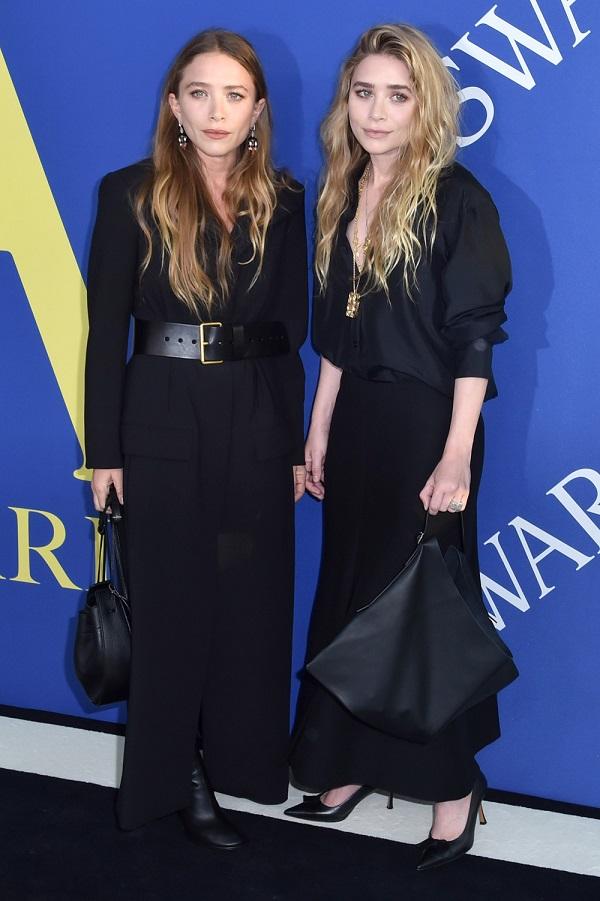Cặp song sinh Mary-Kate Olsen và Ashley Olsen là diễn viên kiêm doanh nhân. Cả hai sớm thành công với nghiệp diễn trong series truyền hình Full House. Với bệ phóng điện ảnh, Mary-Kate Olsen và Ashley Olsen thành lập công ty giải trí Dualstar, đứng vào hàng ngũ những người phụ nữ trẻ tuổi giàu có nhất nước Mỹ. Hai chị em còn có gu thời trang boho-chic khác lạ mà thường bị nhận xét là 'phong cách bà già'.