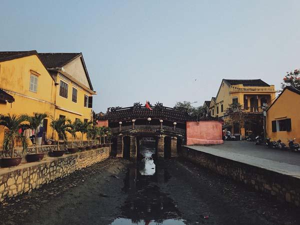 Hành trình 35 ngày giải mã 'giấc mơ xuyên Việt' của 9X Quảng Ninh 18