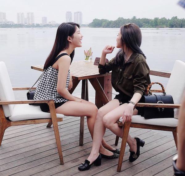 Hai cô bạn thân xinh đẹp chẳng kém hotgirl của Trinh Xíu 'Em chưa 18' 11