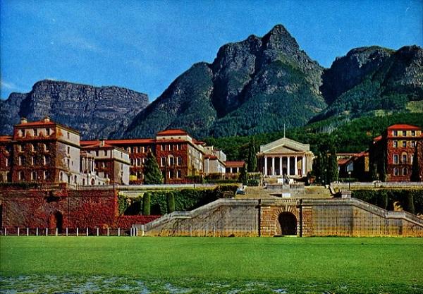 15 trường đại học đẹp như cung điện khiến ai cũng muốn đi học 17