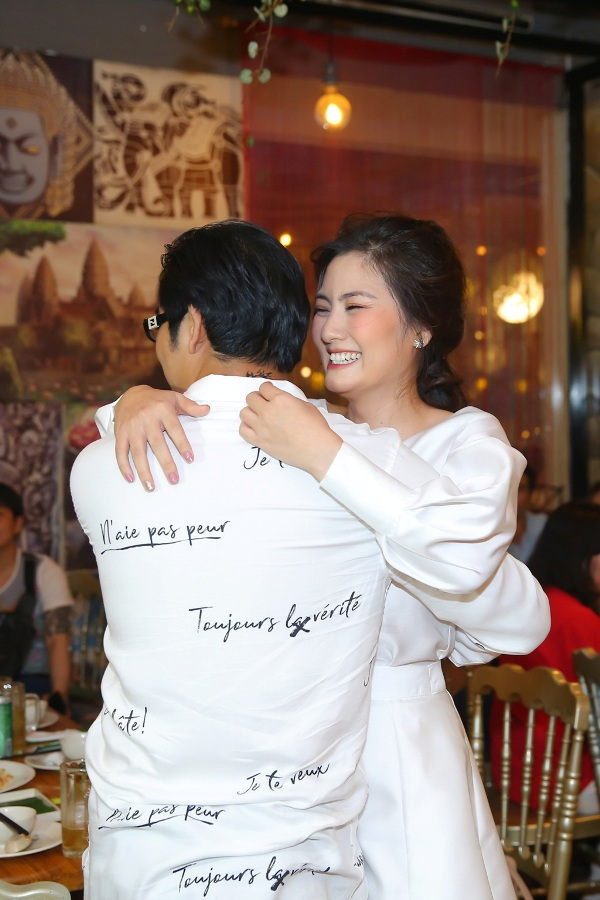 Thanh Bình bí mật làm sinh nhật cho Ngọc Lan, đã thế quà tặng lại là chiếc xe hơi vợ yêu thích 1