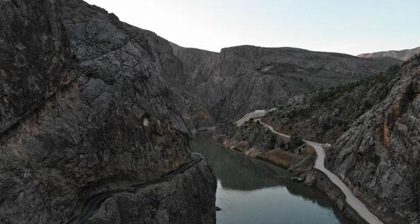 Đường đá cheo leo ở Thổ Nhĩ Kỳ. (Ảnh: Daily Sabah)