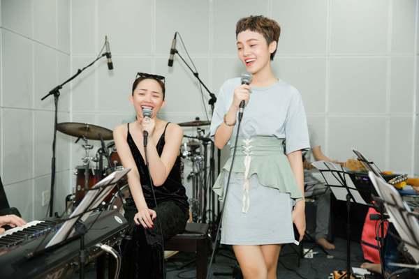 Tóc Tiên rủ rapper Binz tới Giọng hát Việt 2018 để hỗ trợ Thái Bình trong đêm chung kết 1