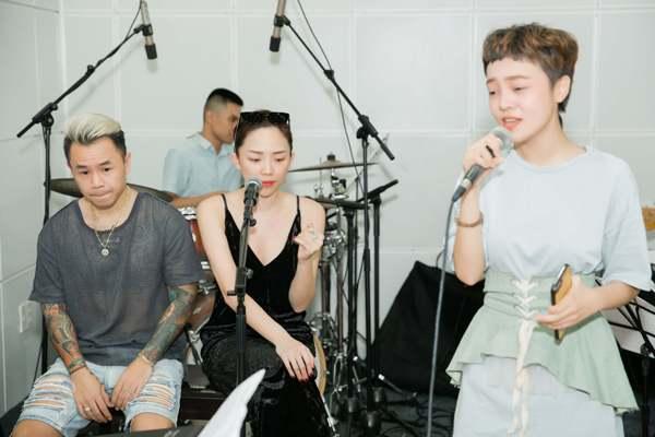 Tóc Tiên rủ rapper Binz tới Giọng hát Việt 2018 để hỗ trợ Thái Bình trong đêm chung kết 3