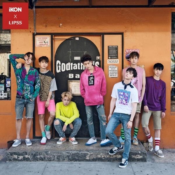 iKON luôn sáng tạo và khéo léo trong cách phối đồ. Họ luôn khiến cho những món đồ như áo oversized, hoodie, khăn turban, sneaker, tất cao cổ,… khi để riêng rất đơn giản và bình thường nhưng lại trở nên hấp dẫn khi phối cùng với nhau.