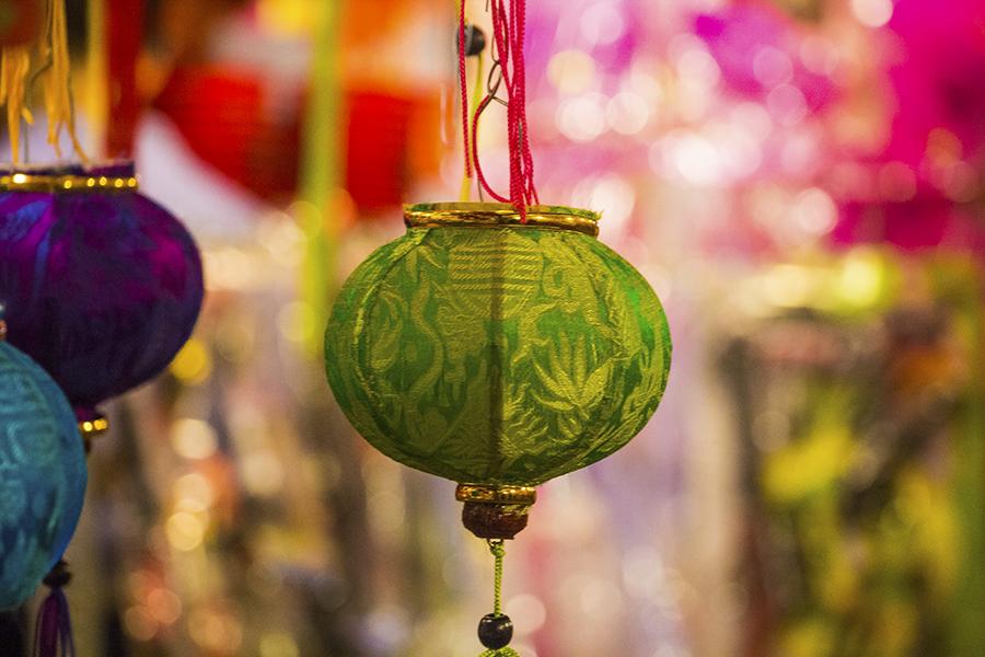 Những khoảnh khắc ấm áp của tình thân tại phố lồng đèn hot nhất Sài Gòn 3