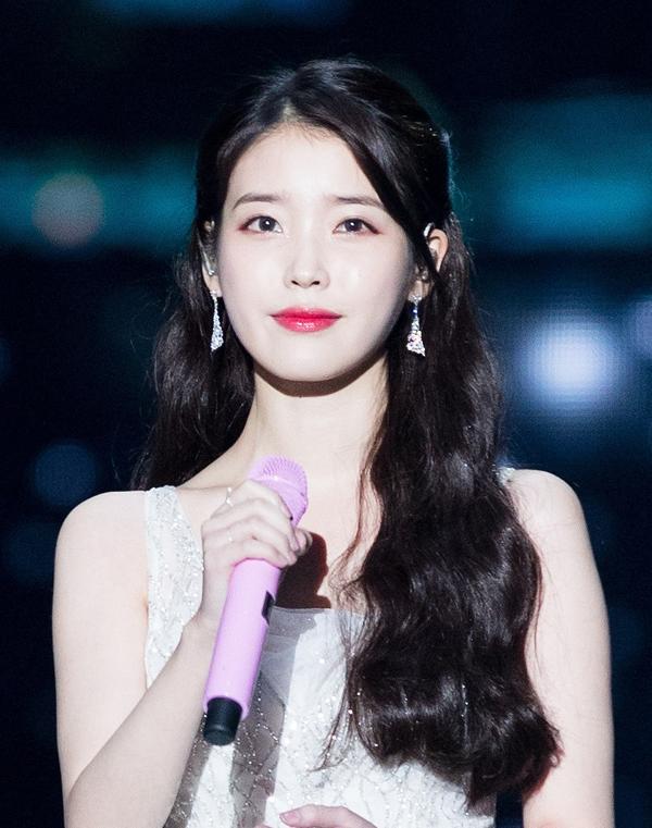 Đường đua Kpop tháng 10: IU, Taeyeon cùng loạt idol nữ solo đình đám trở lại 3