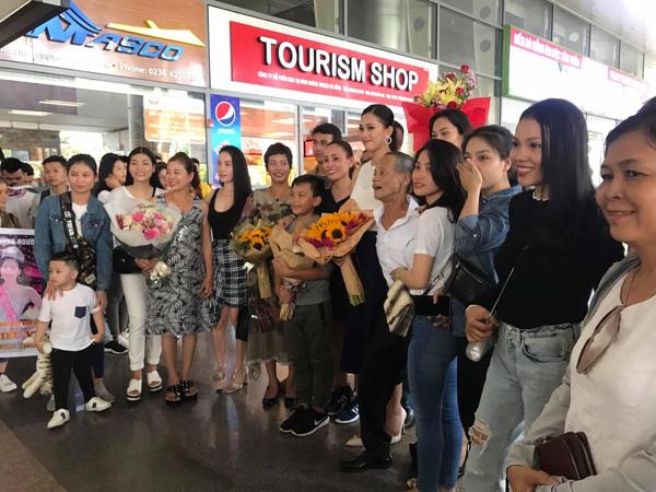 Có thể thấy được tình cảm và sự yêu mến, ủng hộ mà người dân nơi Quảng Nam dành cho Tân Hoa hậu Việt Nam