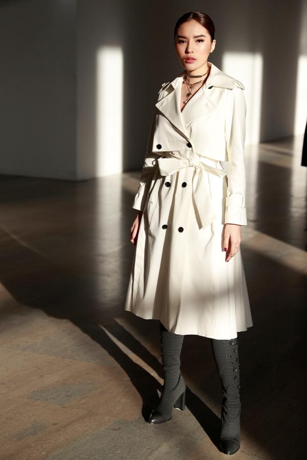 Kỳ Duyên tự tin sánh bước cùng San Dara (2NE1) tại Tuần thời trang Paris 4