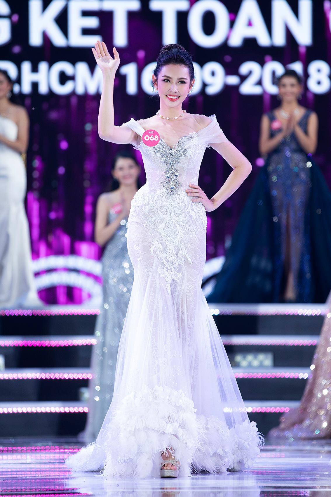 Hoa hậunhân ái Nguyễn Thúc Thuỳ Tiên thay á hậu 2 Thuý An đi thi 'Miss International 2018' 1