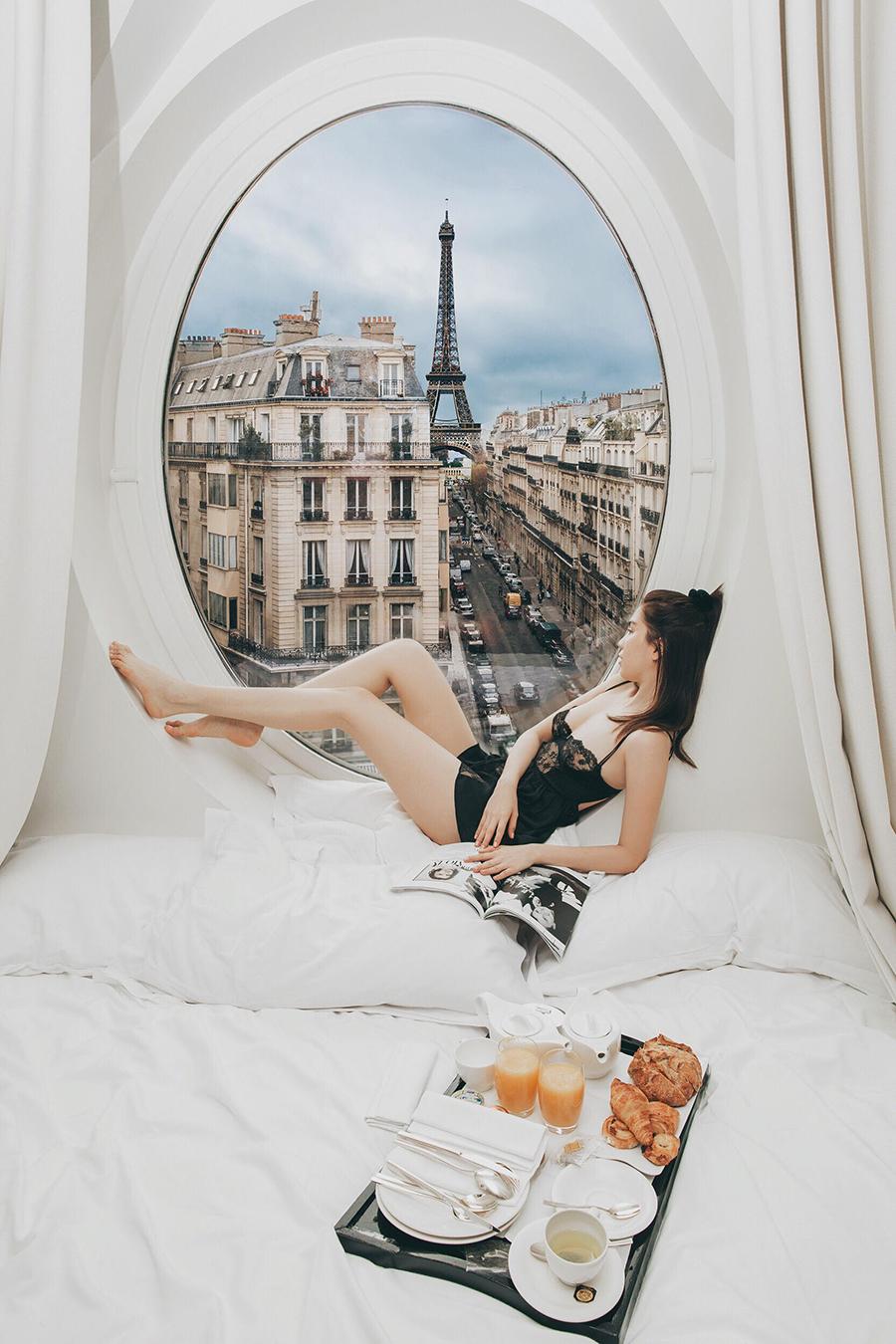 Ngọc Trinh nóng bỏng đón bình minh từ khách sạn sang chảnh bậc nhất nước Pháp 0