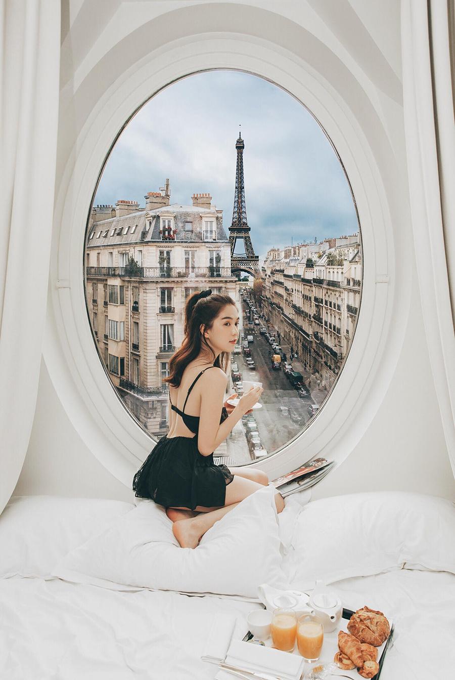 Một buổi sáng đẹp như mơ trên đất Pháp.
