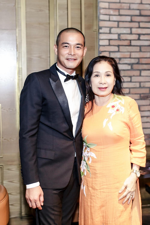Quách Ngọc Ngoan và diễn viên Kim Xuân.