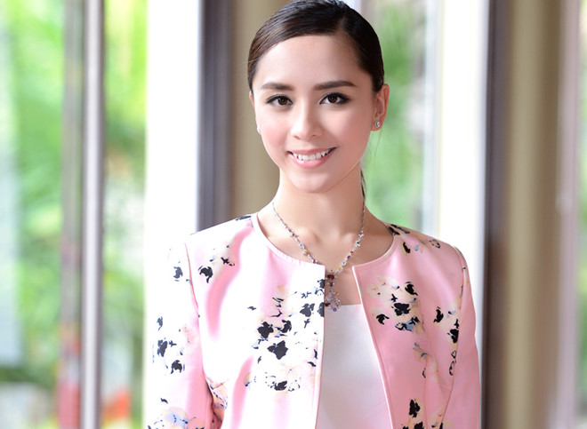 Thậm chí, sau khi đêm chung kết Miss World 2008 kết thúc được hai ngày, đại diện Việt Nam Dương Trương Thiên Lý mới biết tin mình đã được bình chọn là Hoa hậu được yêu thích nhất qua mạng.