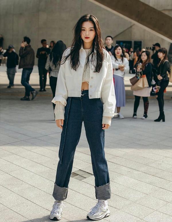 Seoul Fashion Week Xuân/Hè 2019 ngày thứ hai: 'Sàn diễn' của street style cá tính, màu sắc 8