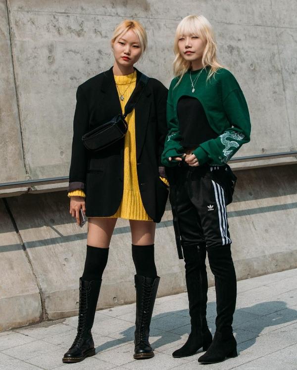 Trong ngày thứ hai đến với Tuần lễ thời trang Seoul mùa mốt Xuân - Hè 2019, các tín đồ xứ Hàn đã bắt đầu lăng xê nhữngmàu sắc rực rỡ bên cạnh các gam màu trung tính đơn giản.