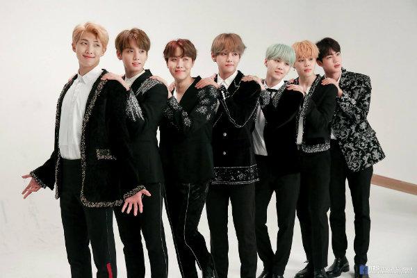BTS tái kí hợp đồng với BigHit, đập tan suy đoán rời công ty sau khi nổi tiếng 3