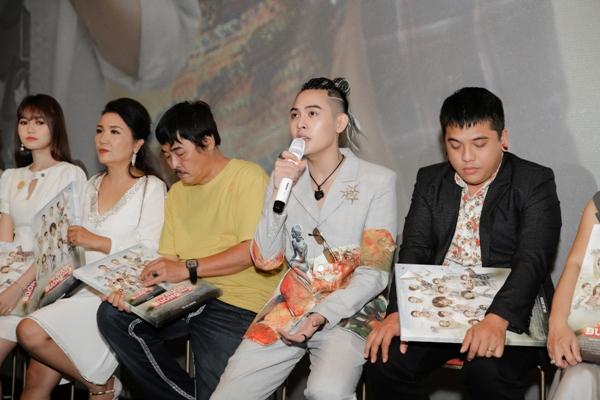 Võ Đăng Khoa hóa thân 'Lục Vân Tiên thời hiện đại' cùng Hoài Linh trong web drama 'Tay buôn, buông tay?' 5
