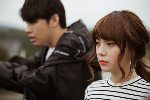 Khác với những MV trước đây, MV Những kẻ mộng mơ chủ yếu khai thác khả năng diễn xuất của Noo Phước Thịnh với những góc máy rất 'điện ảnh'của đạo diễn trẻ Minh Anh.
