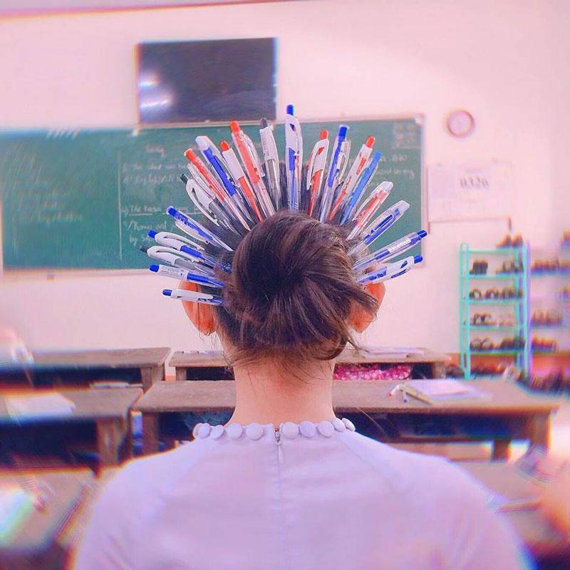 Trào lưu 'Quý phi bút bi' xâm chiếm trường học, bạn đã thử chưa? 0