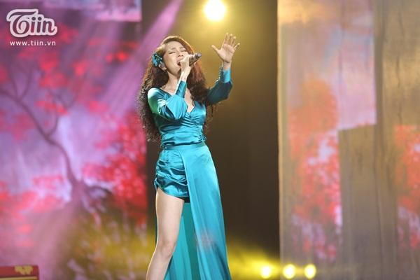 Lần đầu xuất hiện sau 'bão tin đồn', Bảo Anh nhảy cực sung trình diễn bản hit gây tranh cãi 2