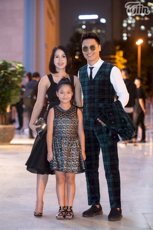 Dàn sao hạng A đổ bộ thảm đỏ thời trang, cặp đôi 'lầy lội' Hương Giang - Bích Phươngchiếm spotlight nhất 2