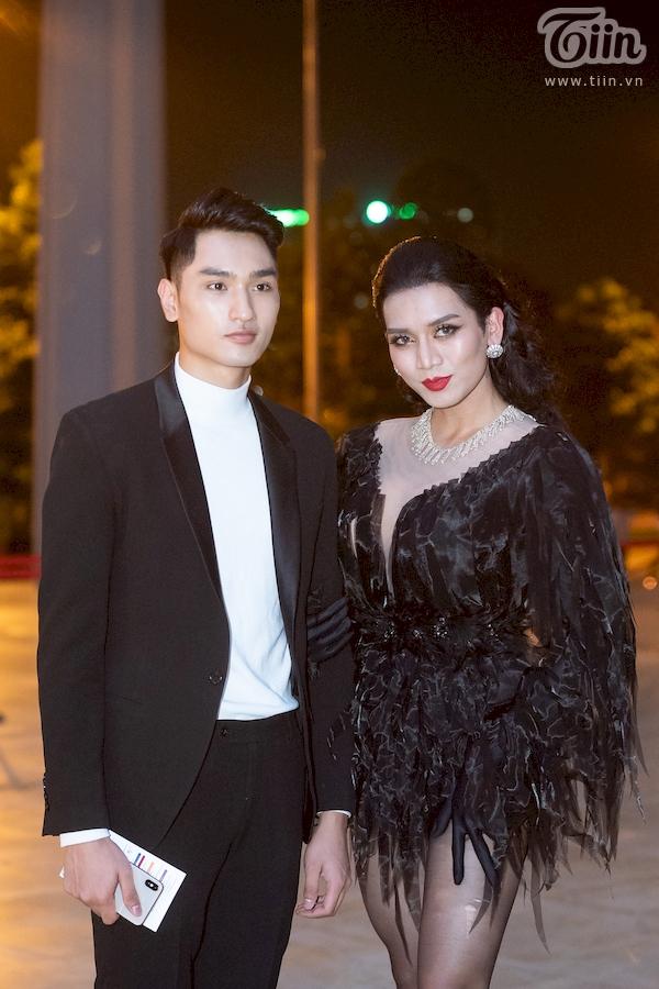 Dàn sao hạng A đổ bộ thảm đỏ thời trang, cặp đôi 'lầy lội' Hương Giang - Bích Phươngchiếm spotlight nhất 8