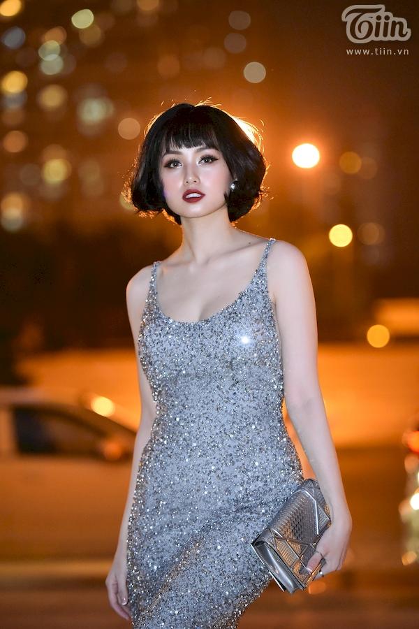 Dàn sao hạng A đổ bộ thảm đỏ thời trang, cặp đôi 'lầy lội' Hương Giang - Bích Phươngchiếm spotlight nhất 10