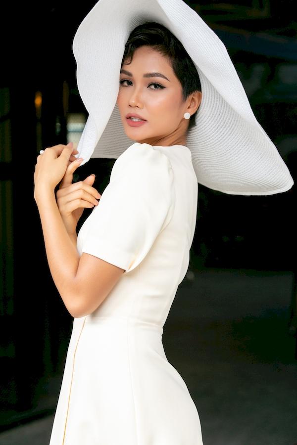 Hoa hậu H'Hen Niê tiết lộlý do không biết nói dối 1