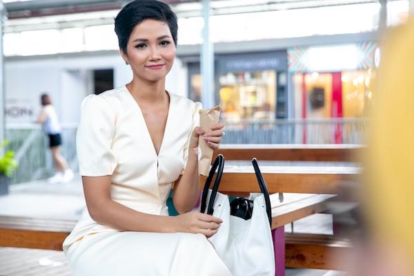 Hoa hậu H'Hen Niê tiết lộlý do không biết nói dối 4