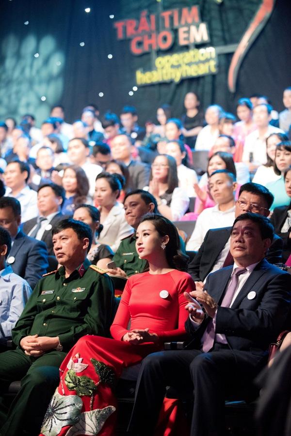 Hết nhiệm kỳ, Hoa hậu Đỗ Mỹ Linh vẫn tích cực tham gia các hoạt động vì cộng đồng 2