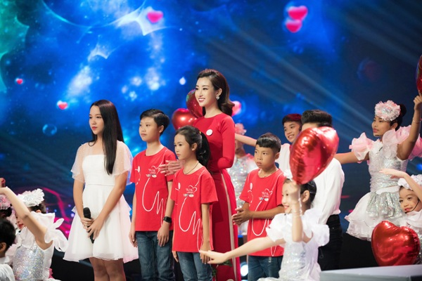 Hết nhiệm kỳ, Hoa hậu Đỗ Mỹ Linh vẫn tích cực tham gia các hoạt động vì cộng đồng 3