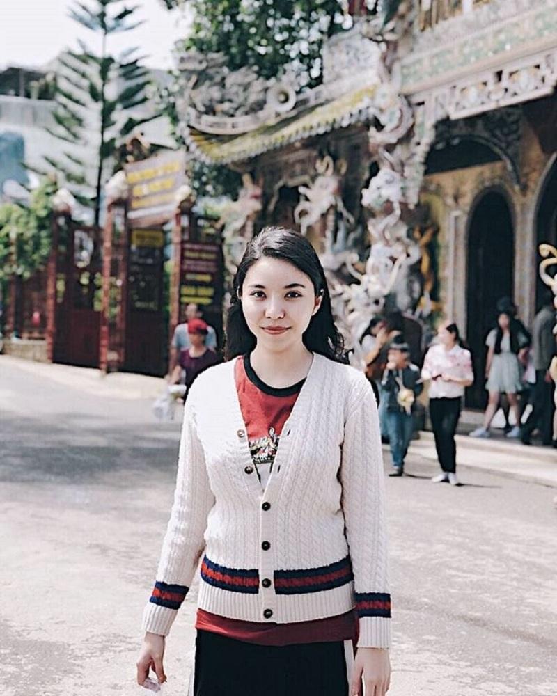 Cô thường xuyên có những chuyến hành hương đến các địa danh Phật giáo ở khắp nơi trên thế giới