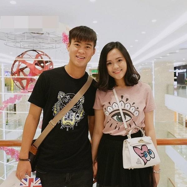 Ngoài nhan sắc xinh đẹp, Quỳnh Anh còn 'được lòng' fan của Duy Mạnh và đội tuyển U23 nhờ tính cách đáng yêu, 'lầy lội'.