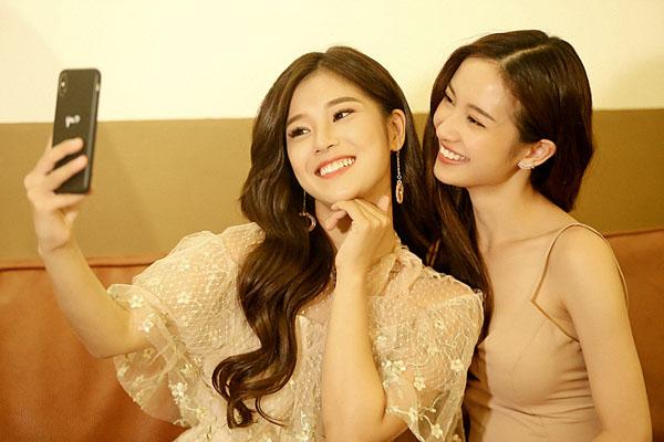 Hoàng Yến Chibi và Jun Vũ thân thiết thế này, hỏi sao fan cứ nhiệt tình 'ghép đôi' 1