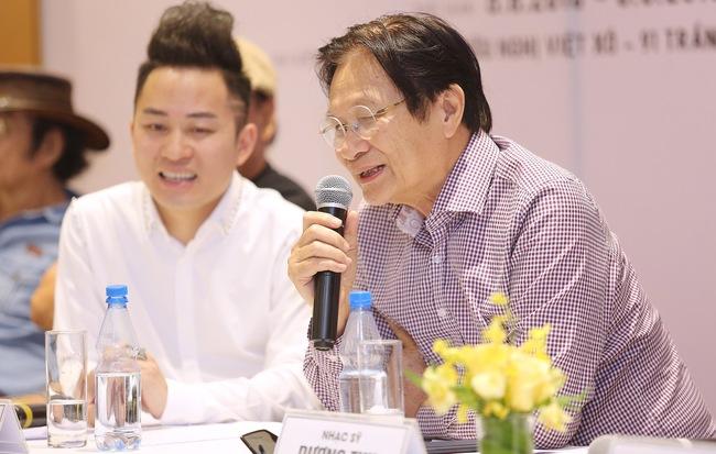 Nhạc sĩ Dương Thụ phát biểu trong buồi họp báo 'Tùng Dương hát Bộ tứ Sông Hồng'.