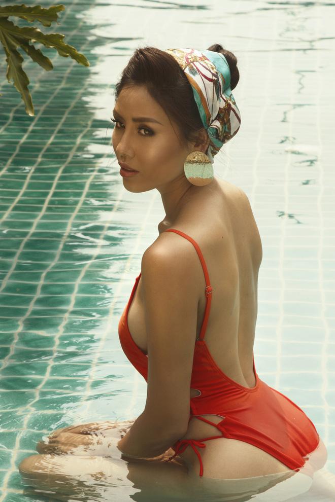 Nóng mùa hè chẳng là gì cả khi bạn xem bộ ảnh bikini của Nguyễn Thị Loan sau đây 2