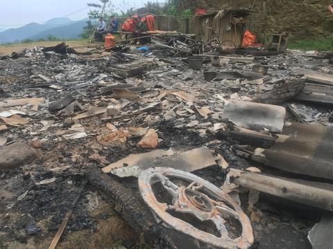 Ngôi nhà chị Phương bị Khánh đốt cháy rụi (Ảnh Khải Hoàng)