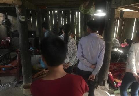 Bên trong ngôi nhà Khánh chém 4 người tử vong (Ảnh Khải Hoàng)
