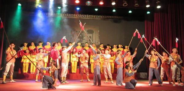 Hội diễn văn nghệ kỉ niệm 60 năm ngày thành lập Trường Đại học Hàng hải Việt Nam.