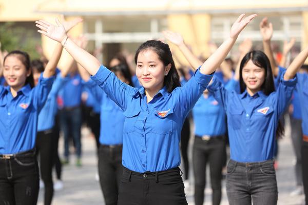 """Màn nhảy Flasmob của sinh viên Học viện thanh thiếu niên trong cuộc thi """"Trường tôi là số 1"""""""