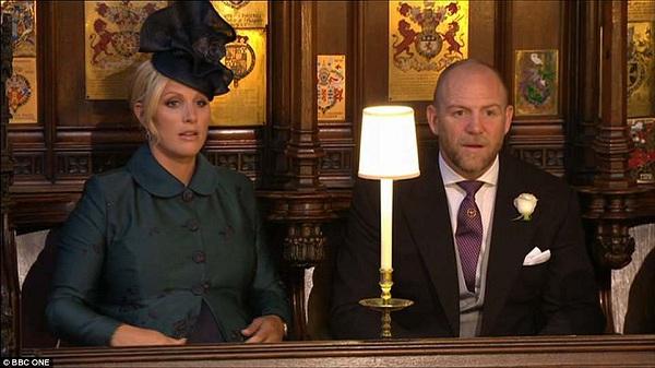 'Bà bầu' Zara Tindall và chồng - Mike cũng không giấu nổi sự hân hoan khi tới dự đám cưới thế kỷ của Hoàng gia
