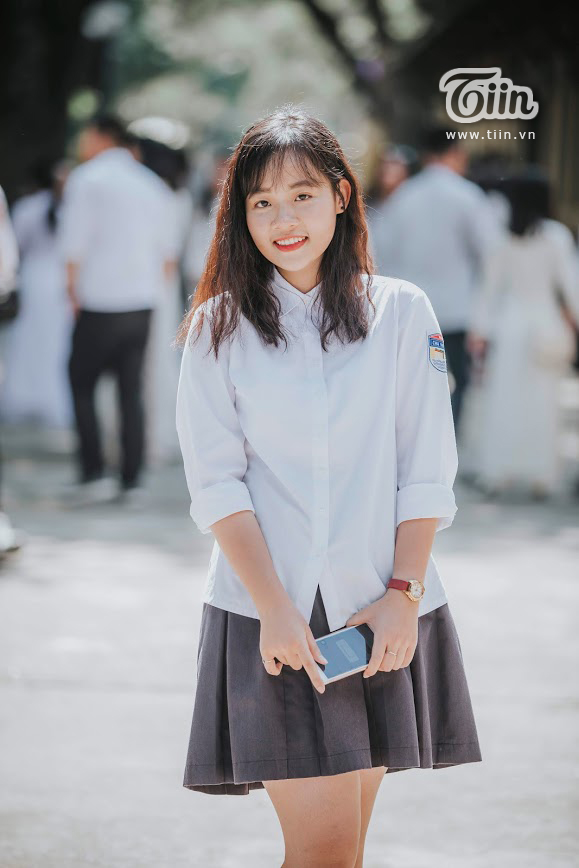 Nữ sinh Chu Văn An dịu dàng mà vẫn bừng sáng trong ngày chia tay tuổi học trò 10