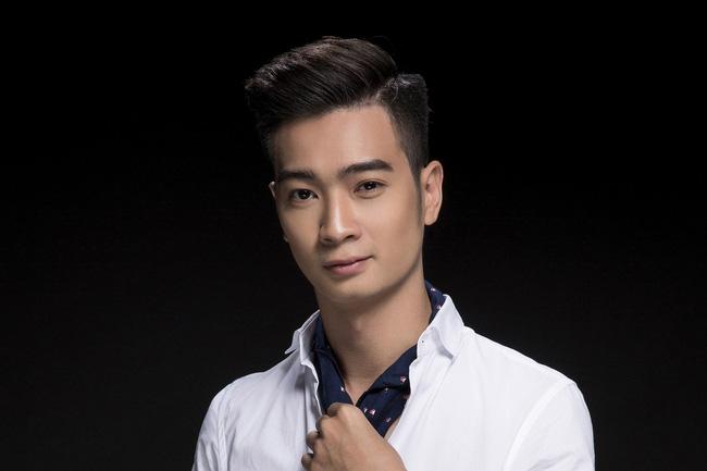 SlimV từng tham gia Hoa âm ánh sáng, cùng đội với Noo Phước Thịnh.