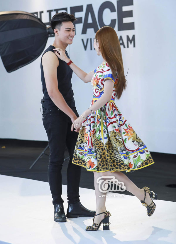 Minh Hằng nhảy cùng Trần Kiên.