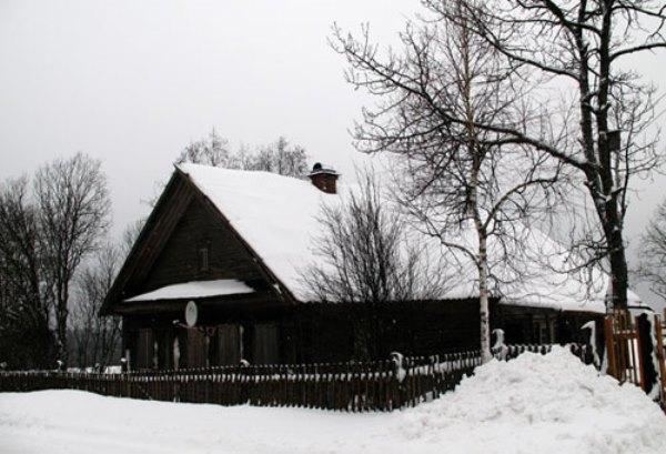 Nhà Dacha truyền thống của người Nga. Ảnh CNN.